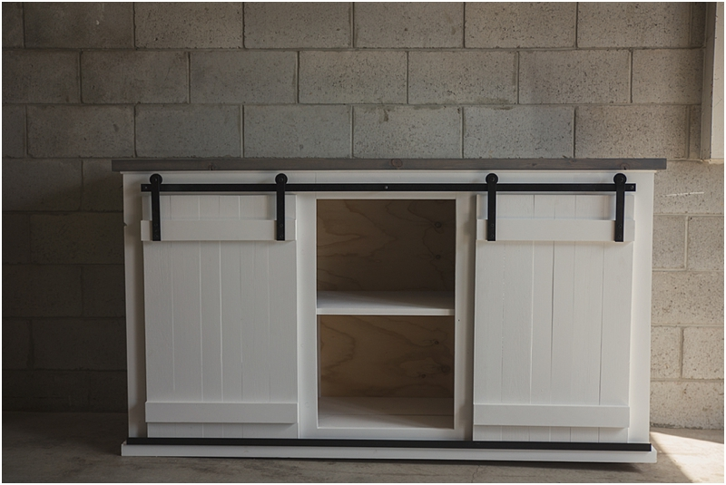 rustic sliding barn door tv console sweet tea furnishings. Black Bedroom Furniture Sets. Home Design Ideas