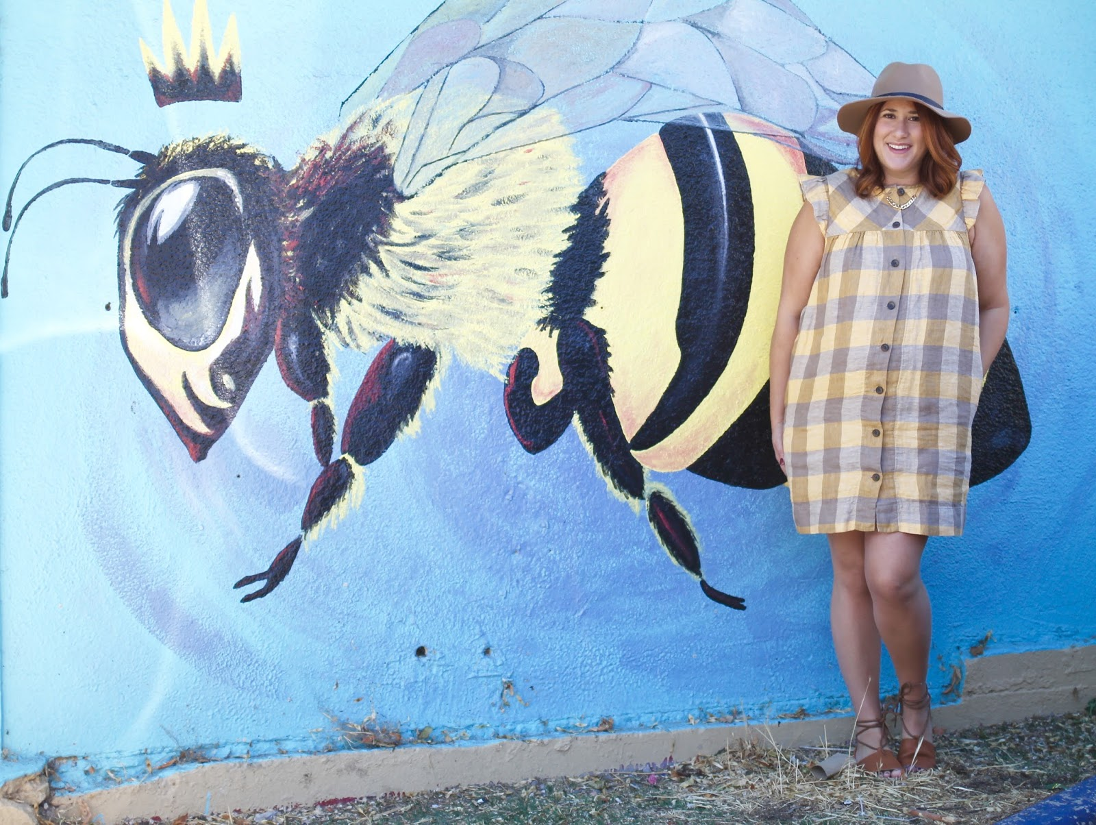 wool hat, pregnancy style, maternity style, aritzia searlas dress, mural salt lake city, park lane Jewelry