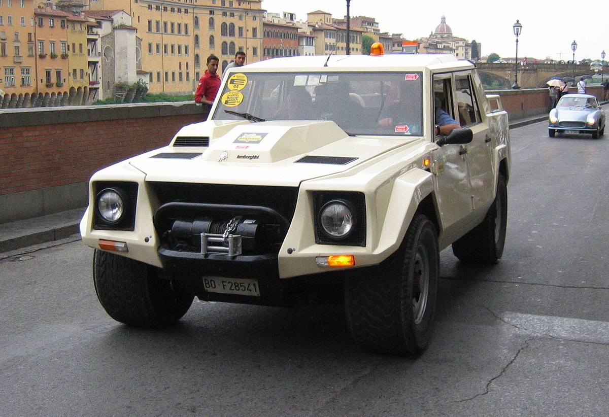 best cars ever greatest cars of all time the lamborghini lm002 suv. Black Bedroom Furniture Sets. Home Design Ideas