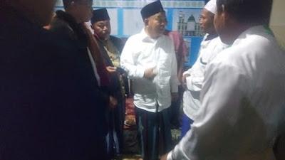 Acara Istighotsah di Masjid Baabus Salam Trawas:  Prof Dr KH Asep: Ibu Ikfina dan Gus Barra Menang Pilkada, Bea Sekolah Gratis