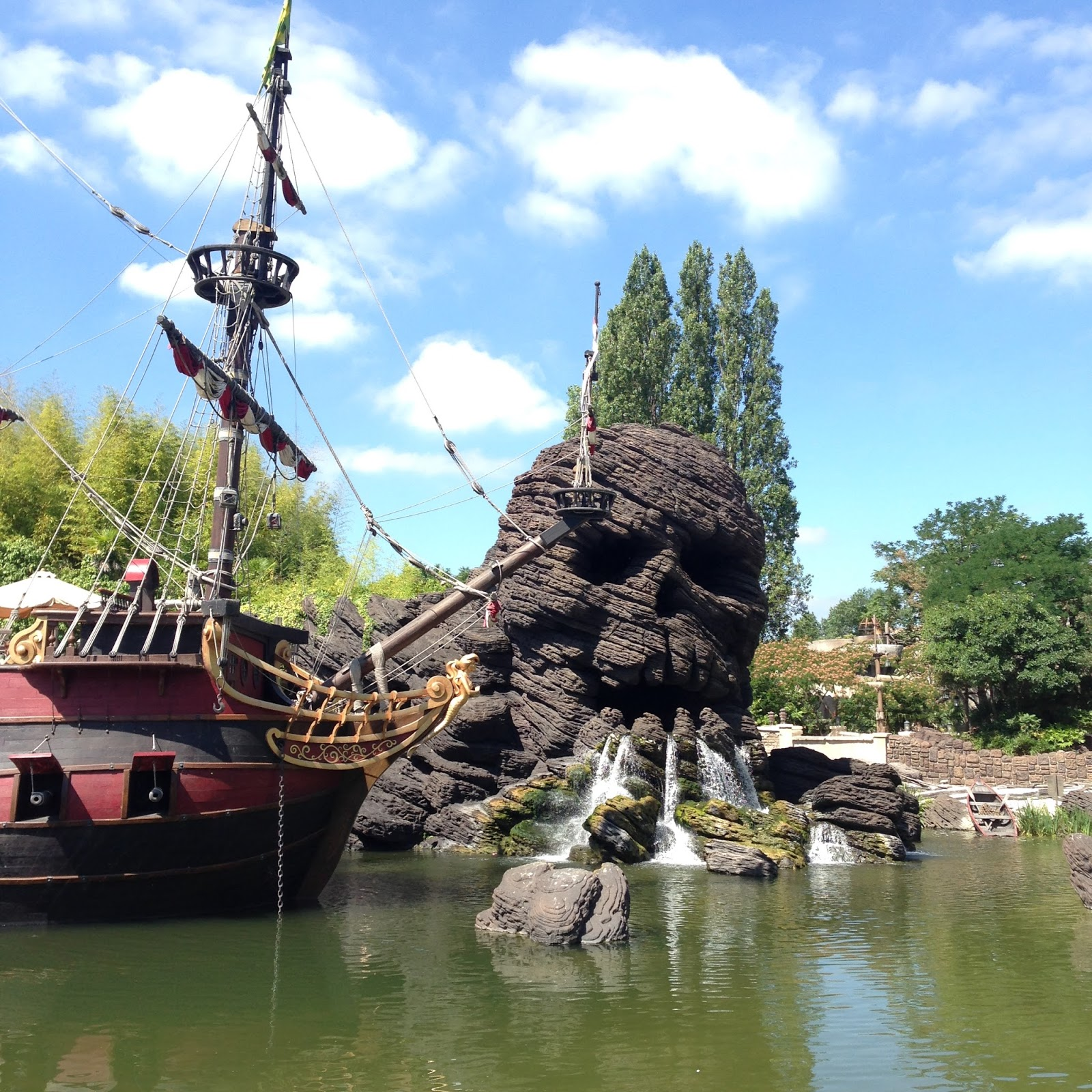 Skull Rock, Disneyland Paris