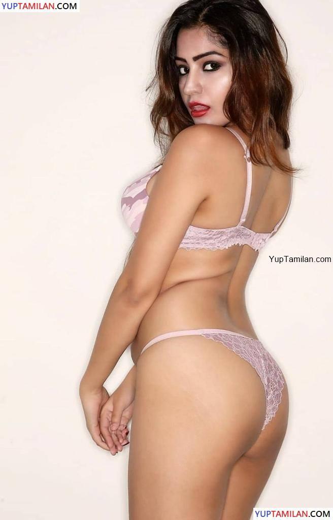 Simran Kaur Sexy Bikini Photos