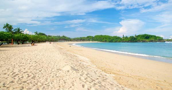 Pantai Nusa Dua Bali Yang Mempesona