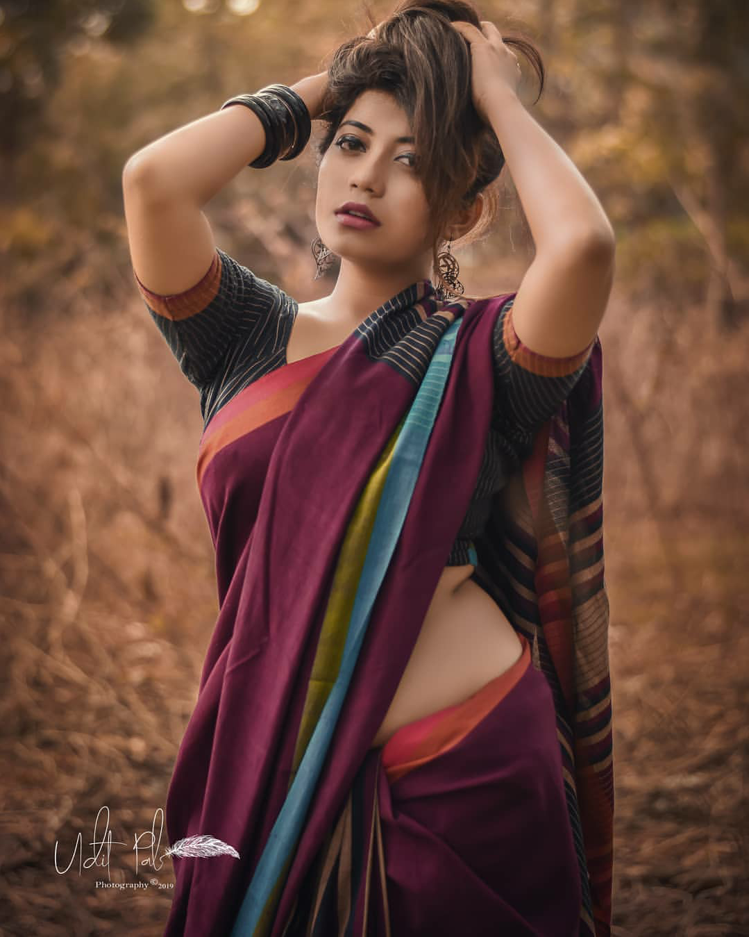 How To Look Hot In Saree