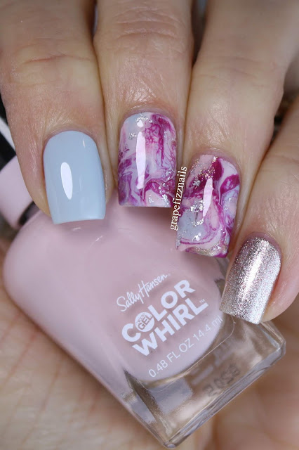 Sally Hansen Color Whirl Marble-ous Drip Marble Manicure