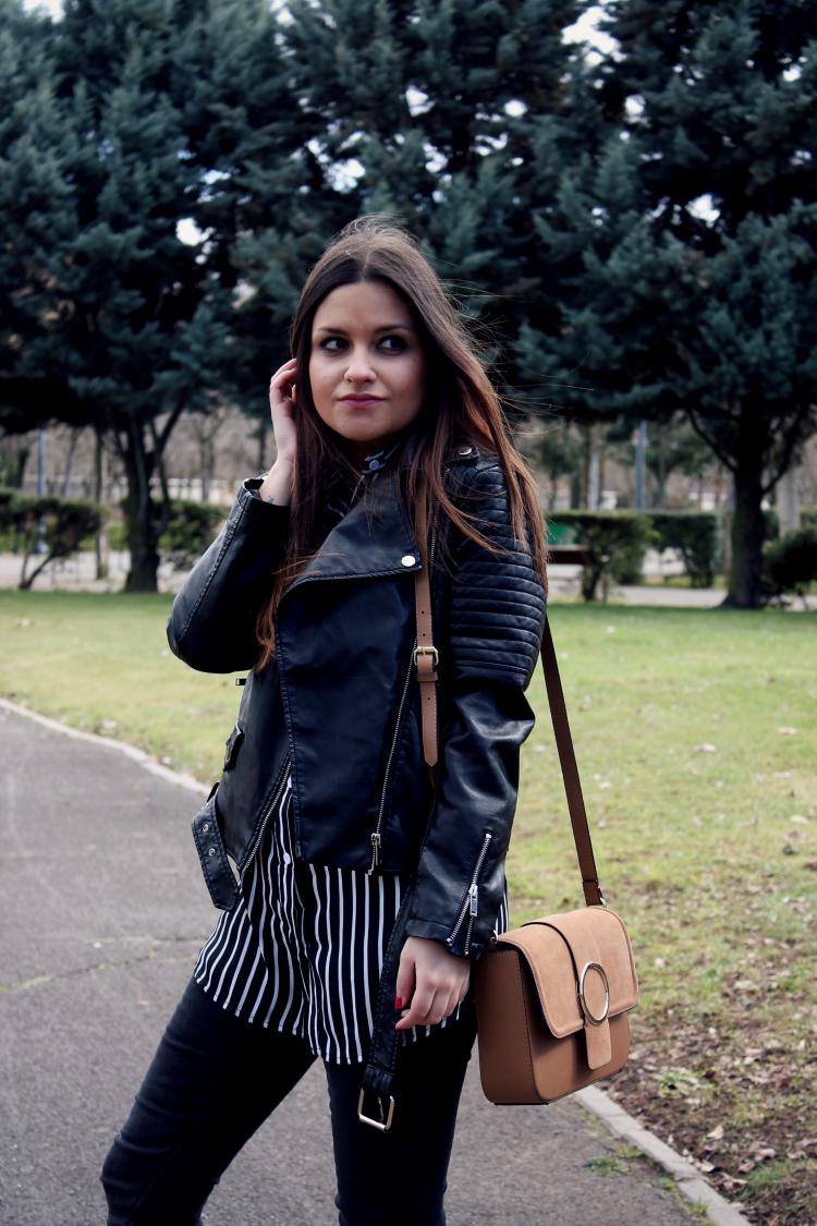 outfit con bolso marron Zara blog moda leon