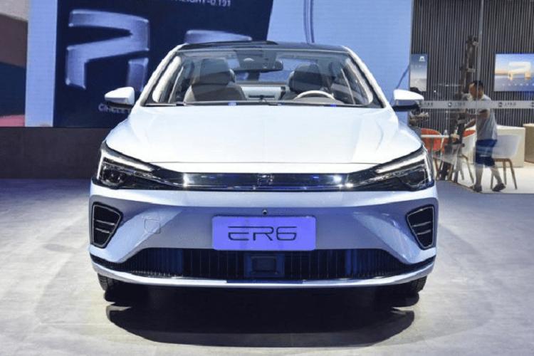 Roewe ER6 - xe điện chạy 600 km/lần xác từ 530 triệu đồng