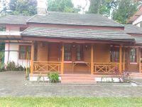 family villa lembang share pool
