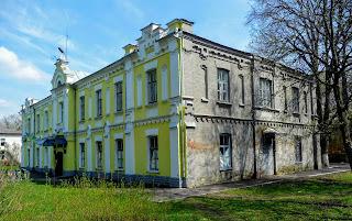 Дибровка. Административное здание конезавода