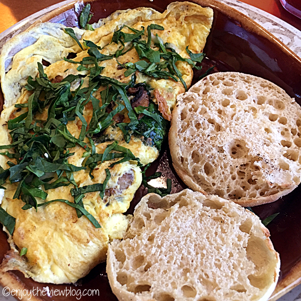 omelet with English muffins