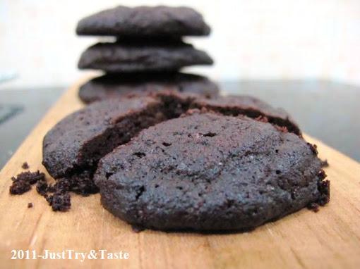 Resep Nigella Lawson's Intense Chocolate Cookies