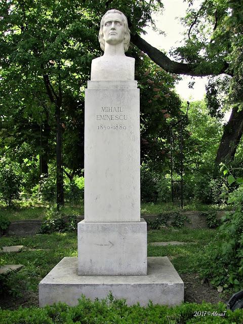 Statue of Mihail Eminescu: 1850-1889