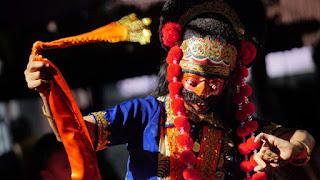 Menjaga dan Menyelami Tradisi Tari Topeng Indramayu