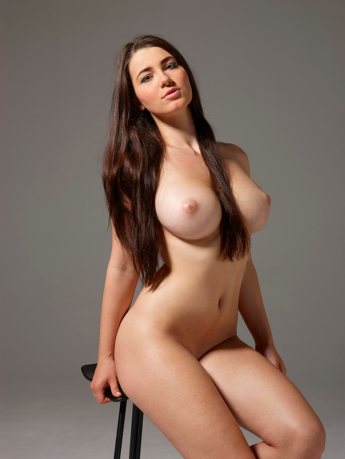 Sexy Nude Plus Size Models