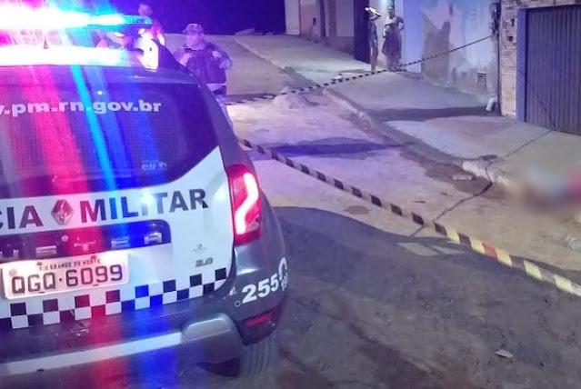 Popular reage a assalto e mata criminoso a tiros em Mossoró, RN