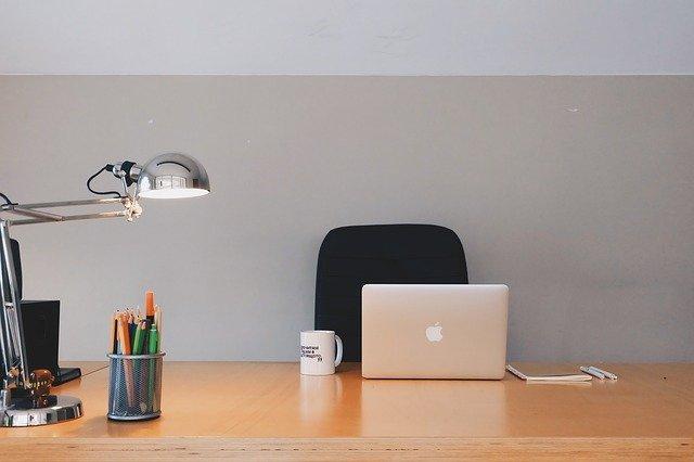 Lampu Belajar LED Charge yang Terang dan Nyaman tapi Murah