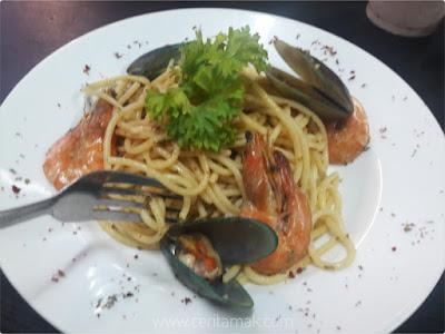 Eye's Steak Kilang Bateri @ Warehouse, JB