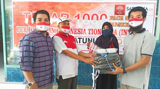 INTI NTB dan Satunusa.co tebar 1000 face shild dan masker gratis