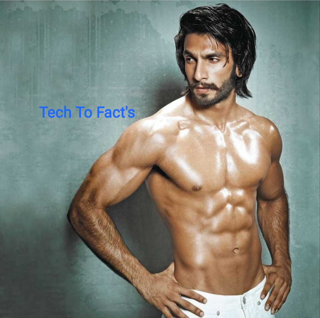 What is the monthly income of Ranveer Singh?