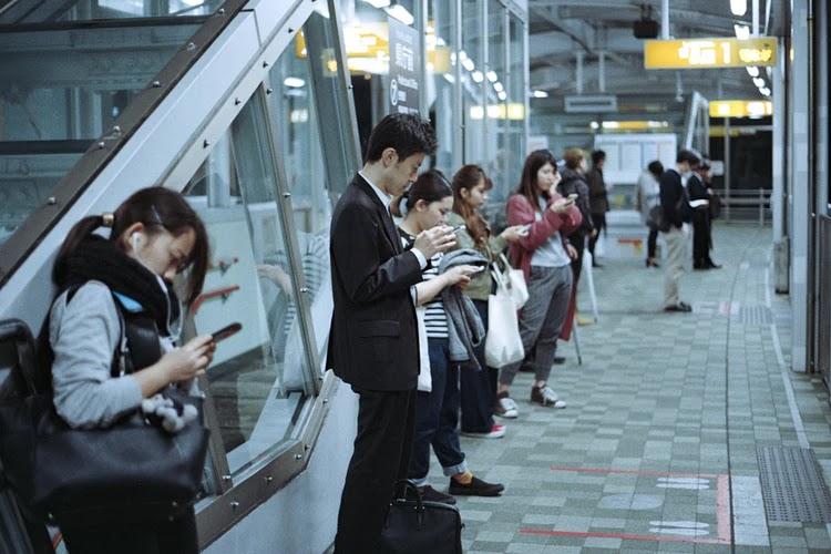 Google Menggunakan Data Lokasi Untuk Mengetahui Apakah Orang Melakukan Social Distancing di tengah wabah Virus Corona