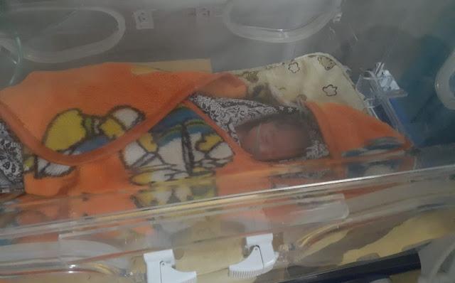 Sangat Kejam, Bayi Laki-Laki Tampan Dibuang Pakai Kardus Di Penujak