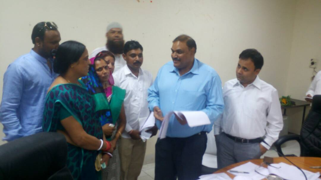 Distribution-of-illegal-wine-from-Gujarat-states-in-Alirajpur-district-kalawati-Bhuria-charged-with-ignoring-the-district-administration-अलीराजपुर जिले में गुजरात राज्यों से हो रही अवैध रेती की सप्लाई, जिला पंचायत अध्यक्ष सुश्री भूरिया ने जिला प्रशासन की अनदेखी पर लगाए आरोप