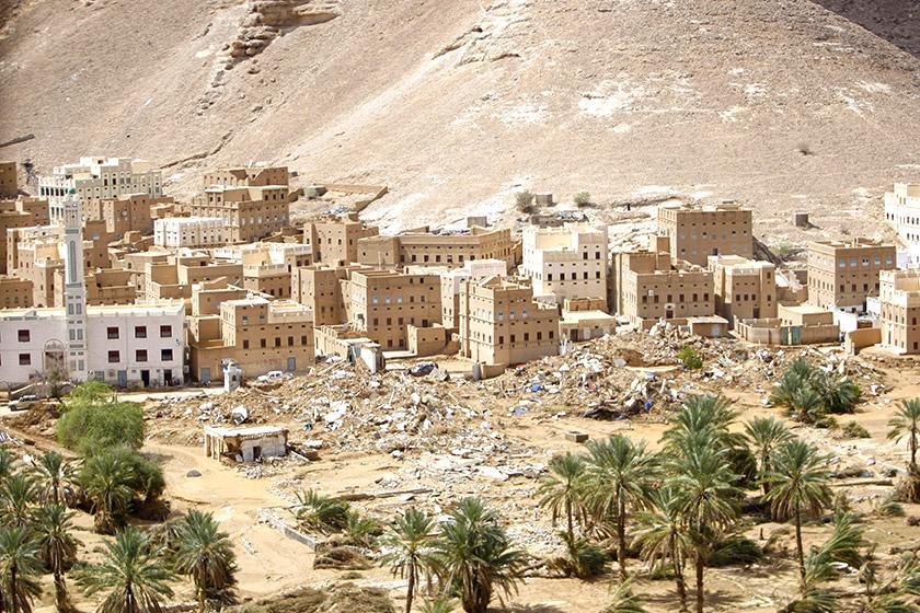 Унаслідок перманентних бойових дій значна частина єменських міст лежить у руїнах