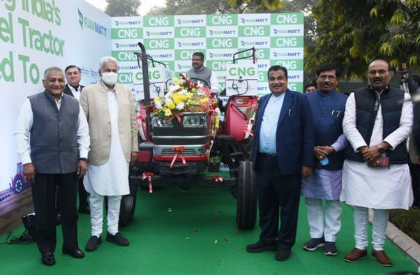 Launch-of-Diesel-converted-CNG-Tractor