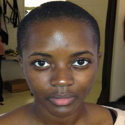 AFRICAN WOMAN WITHOUT MAKEUP