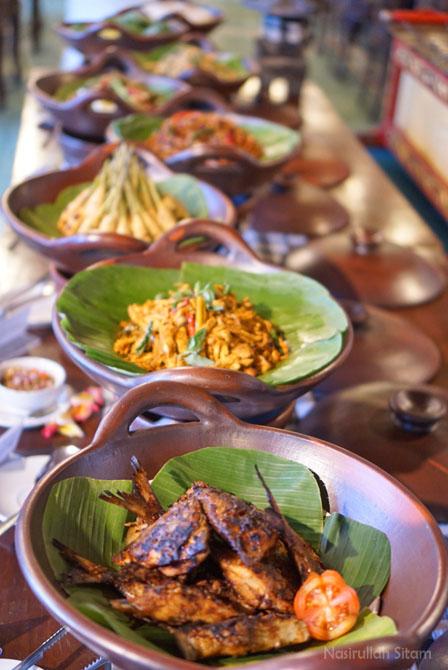 Sajian menu kuliner Bali, tiap akhir pekan menu berganti