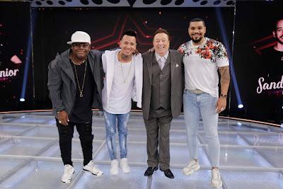 MC Naldo Benny, MC Marcinho e MC Dado com Raul  (Foto: Rodrigo Belentani)