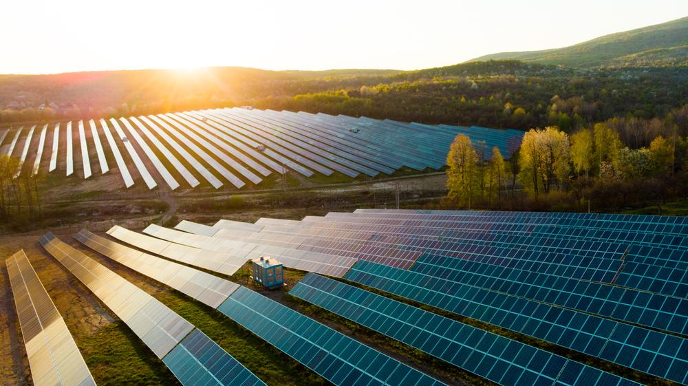 Terapkan Teknologi Terbaru, Begini Keuntungan Menggunakan Solar Panel