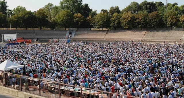 بشرى للجاليات المسلمة: إيطاليا تمنح رسميا الرخص  القانونية ل4 مساجد بمدينة ميلانو