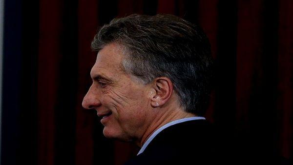 Deuda externa de Argentina supera los 200 millones de dólares