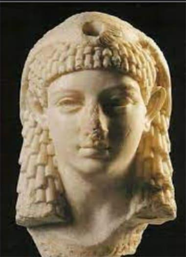 تمثال كليوباترا الحقيقي