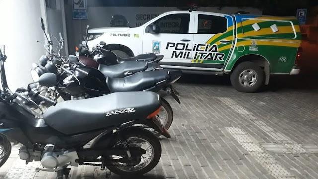 Elesbão Veloso: Policiais do GPM e Força Tática apreende motos e autua condutores por desobediência às leis de trânsito