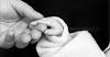 Η θεραπευτική δύναμη του στοργικού αγγίγματος