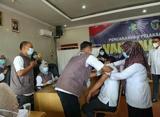 Bupati Batanghari Terpilih M. Fadhil Arief Mendukung Dan Menyukseskan Program Vaksinasi Covid - 19