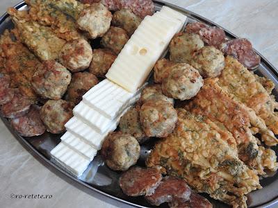 Retete culinare aperitive pe baza de peste reteta hamsie prajita pane cu marar chiftele carnati branza cascaval retete traditionale romanesti dobrogene pescaresti,