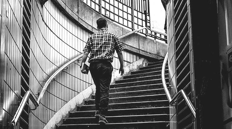 Como um pastor demonstra coragem?