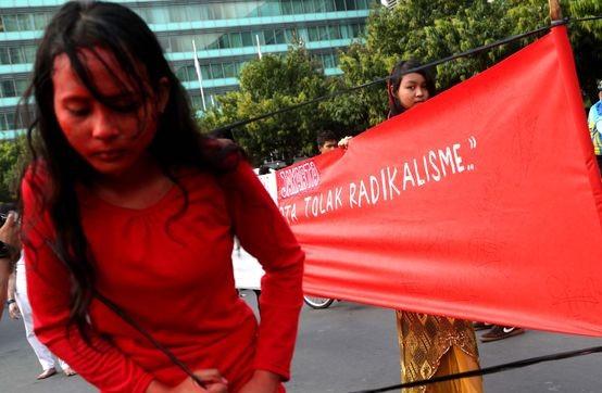 Ken Setiawan: Bukan Hanya Adzan, Kelompok Radikal juga Ubah Rukun Islam