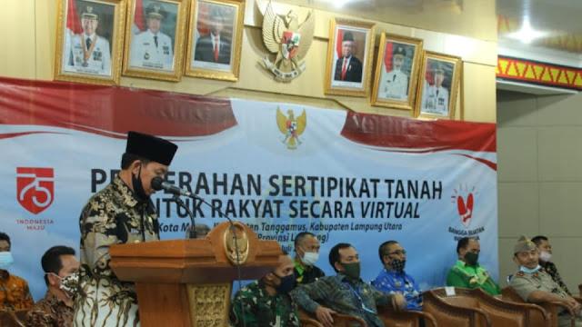 Plt. Bupati Lampung Utara Hadiri Penyerahan Sertifikat Tanah di BPN