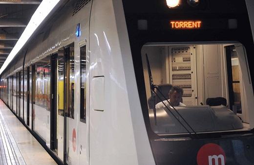 Metrovalencia se erige durante la celebración de las Fallas en el transporte idóneo, no solamente para moverse por la ciudad de València, sino para desplazarse desde las distintas poblaciones del área metropolitana hasta el corazón de las fiestas