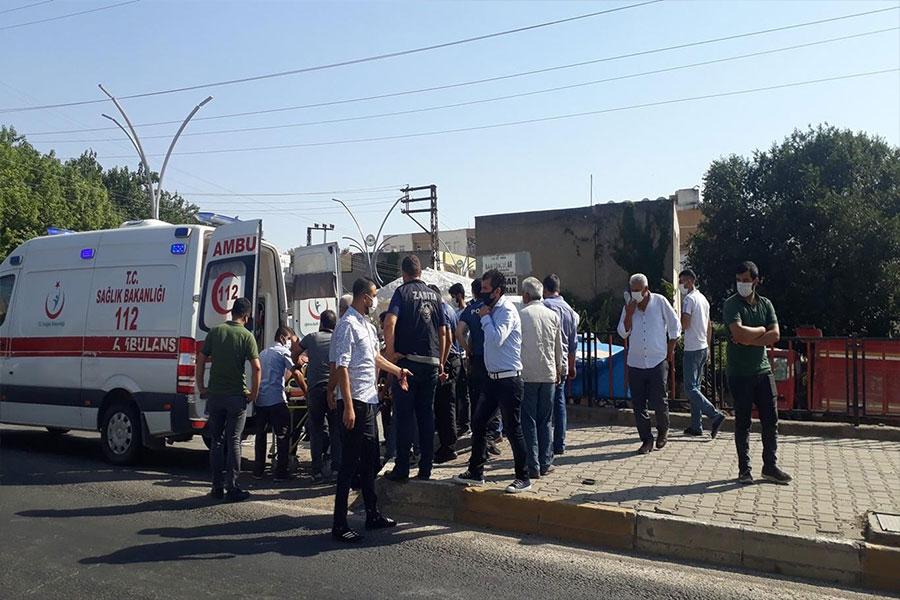 Diyarbakır Çınar'da minibüs ile otomobil çarpıştı: 1 yaralı