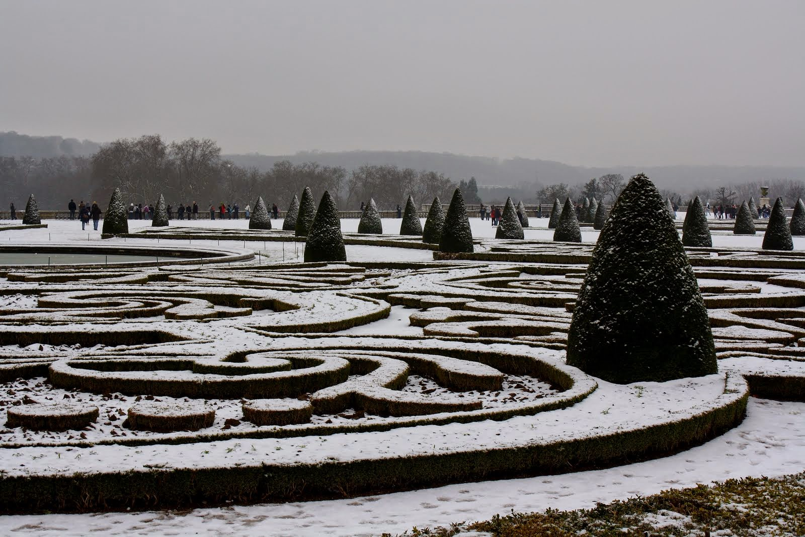 Snow on the gardens of versailles