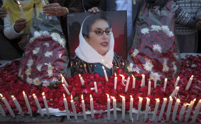 Benazir Bhutto Ditembak dan diledakkan dengam bom