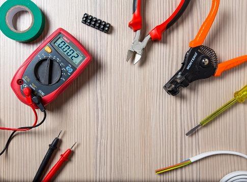 pixabay.com/en/tool-work-repair-electrician-2766835
