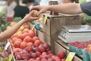 Menjadi Sholeh Di Pasar Juga Bisa  Kisah Emak Emak dan Abang Penjual