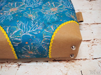 coral reef, sea, turquoise, handbag, crossbody bag, summer, ricrac, waterproof, Washpapa, vegan leather,