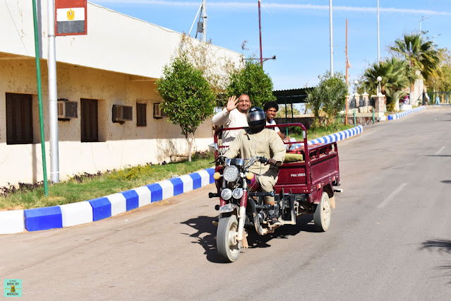 Motocarros en Abu Simbel, Egipto